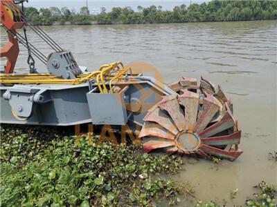 Twin-wheel bucket cutter head